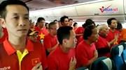 MC Phan Anh và 300 CĐV hát quốc ca trên trời UAE cổ vũ tuyển Việt Nam