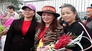 Trải lòng xúc động của mẹ Quang Hải, Duy Mạnh, Thành Chung ngày đón con về
