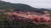 Khoảnh khắc vỡ đập kinh hoàng khiến hơn 300 người chết và mất tích
