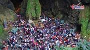 Đường vào động Hương Tích ùn tắc nửa cây số trước ngày khai hội chùa Hương