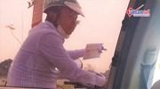 'Cò đò' đeo bám du khách trẩy hội Chùa Hương