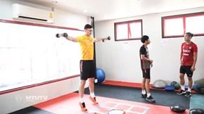 Đặng Văn Lâm tập gym cùng đồng đội ở Muangthong United