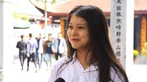 Nam thanh, nữ tú rủ nhau đến chùa Hà cầu duyên ngày lễ Tình nhân