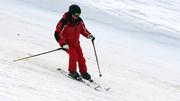 TT Putin diện cả 'cây đỏ', trượt tuyết như vận động viên chuyên nghiệp