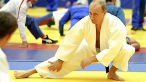Điều bất ngờ xảy ra khi TT Putin so tài với nhà vô địch Olympic judo