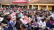 Chực chờ 6 tiếng ở lễ cầu an chùa Phúc Khánh: 'Đóng 150 nghìn là quá rẻ'