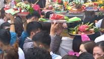 Phủ, chùa ngày rằm tháng Giêng: Chen chân đặt lễ, thắp hương