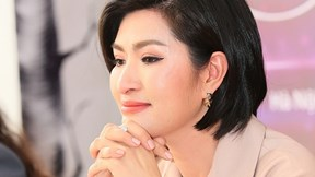 Nguyễn Hồng Nhung khóc khi nhắc lại scandal ảnh nóng