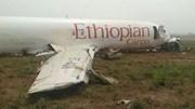 Hiện trường máy bay rơi tại Ethiopia khiến 157 người thiệt mạng