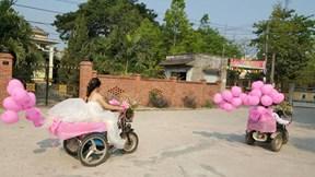 Đám cưới của cô dâu chú rể khiến cả hôn trường bật khóc