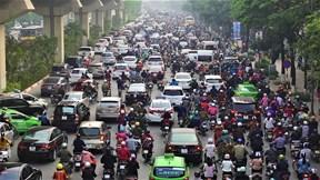 Cấm xe máy trên đường Nguyễn Trãi: Liệu có khả thi?