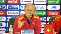 HLV Park Hang Seo 'phản pháo' phóng viên, bảo vệ 'trò cưng' Quang Hải
