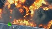 Nhà máy lưu trữ hóa chất bốc cháy ngùn ngụt, khói độc dày đặc tại Melbourne