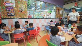 Bữa trưa tại trường mẫu giáo ở Singapore được chuẩn bị như thế nào?