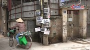Cột điện kỳ lạ có khả năng chống 'rác tặc' giữa Thủ đô