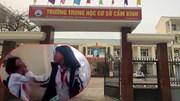 Vụ nữ sinh bị đánh túi bụi trong lớp: Đình chỉ hiệu trưởng và GV chủ nhiệm
