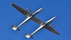 Máy bay 'khủng' nhất thế giới lần đầu cất cánh