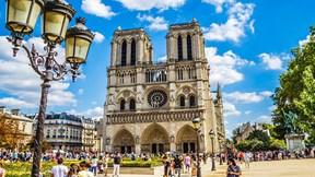 Ngắm nhà thờ Đức Bà 850 tuổi kiêu hãnh giữa Paris trước vụ cháy