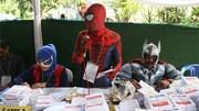 'Người Nhện', 'Thần Sấm' cổ vũ người đi bỏ phiếu ở Indonesia