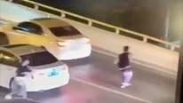 Bị mẹ chỉ trích vì cãi nhau với bạn, nam sinh lao khỏi xe nhảy cầu tự tử