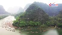 Tràng An rực rỡ ngày khai hội, du khách ùn ùn đổ về Ninh Bình