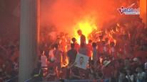 CĐV Hải Phòng 'tấn công' sân Hàng Đẫy bằng pháo sáng