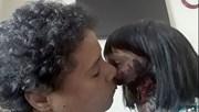 Sở thích rùng rợn của thiếu nữ với búp bê xác sống