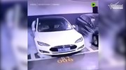 Siêu xe điện tiền tỷ Tesla Model S phát nổ tại Thượng Hải