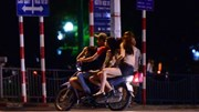 Mại dâm ở Trần Duy Hưng: 'Cò' bám riết gạ gẫm, lừa con mồi 'chui vào rọ'