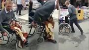Gã ăn mày ngồi xe lăn xin tiền bị lật tẩy khiến cộng đồng mạng phẫn nộ