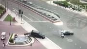 Xe SUV sang đường đâm vào ô tô ngược chiều, hất văng mô tô cảnh sát