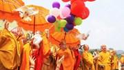 Vesak 2019: Phóng sinh bồ câu, thả bóng bay nguyện cầu hòa bình thế giới