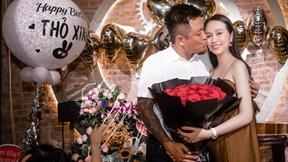 Vợ Tuấn Hưng lộ rõ bụng bầu lần thứ 3 trong tiệc sinh nhật
