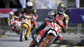 Nghẹt thở màn đua xe mô tô thể thao ngay tại Hà Nội