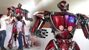 Nhóm 9x Hà Nội đi xin phế liệu xe máy làm robot khổng lồ