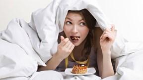 Ăn khuya có thực sự làm bạn béo lên?