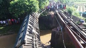Lật tàu hỏa ở Bangladesh, hơn trăm người thương vong
