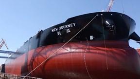 Khám phá tàu chở dầu khổng lồ, thông minh đầu tiên thế giới