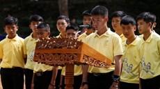 Đội bóng Thái Lan 1 năm sau ngày bị mắc kẹt trong hang chấn động thế giới