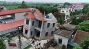 Hà Nội: Nhà 2 tầng kiên cố 110m2 bất ngờ sụt lún sâu hơn 4m