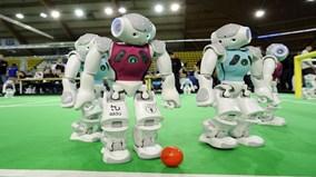 Robot cũng có World Cup riêng, sẽ đánh bại đội bóng con người mạnh nhất?