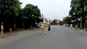 Hải Phòng: Thanh niên vi phạm lao xe máy hất tung CSGT