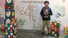Cậu bé 11 tuổi giải rubik bằng chân nhanh nhất châu Á, đứng thứ 2 thế giới