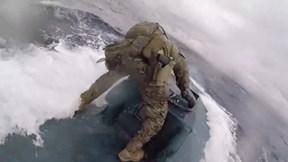 Tàu tuần duyên Mỹ truy đuổi tàu bán ngầm chở hơn 7,2 tấn ma túy