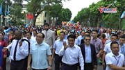 Lãnh đạo thành phố Hà Nội cùng 10.000 người đi bộ vì hòa bình