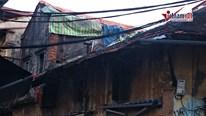 Dãy nhà 'chờ sập' ở phố Đồng Thái, Hà Nội