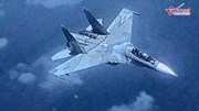 Su-30 Venezuela hung hăng đeo bám máy bay do thám US EP-3 Mỹ