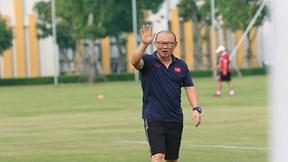 Thầy Park đau đầu chuyện thi đấu trên sân cỏ nhân tạo ở Sea Games 30