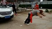 Võ sư Kungfu kéo 2 ô tô chỉ bằng 1 tai, dùng khoan điện khoan vào đầu