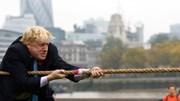 Những khoảnh khắc 'vui hết mình' khiến tân Thủ tướng Anh trở nên khác biệt